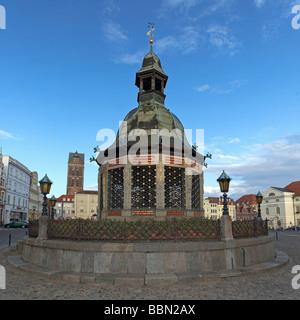 Water art, fountain, market square, Wismar, Mecklenburg-Western Pomerania, Germany, Europe - Stock Photo
