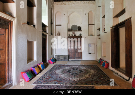 traditional arabian living room at jabrin castle or fort, Wohnzimmer