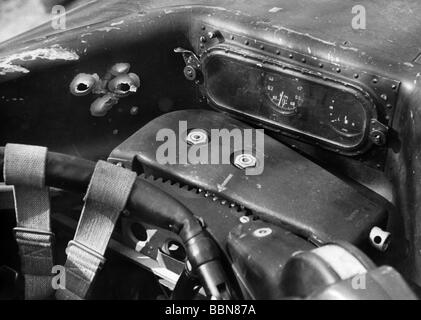 events, Second World War / WWII, aerial warfare, aircraft, crashed / damaged, position of the radio operator in - Stock Photo