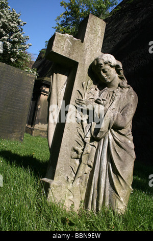 angel of gothic tombstone - photo #21