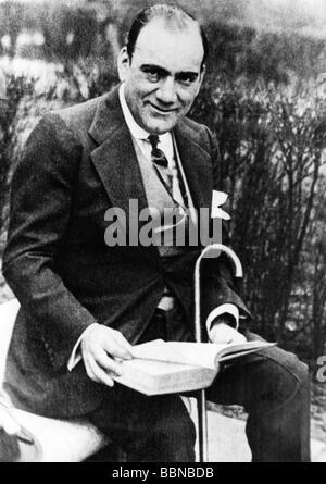 Caruso, Enrico, 25.2.1873 - 2.8.1921, Italian opera singer (tenor), half length, circa 1920, Additional-Rights-Clearances - Stock Photo