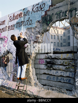 geography / travel, Germany, Fall of the Berlin Wall, pecker, Berlin, 9.11.1989, historic, historical, 20th century, - Stock Photo