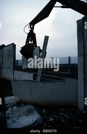 geography / travel, Germany, reunification, fall of the Berlin Wall, January 1990, - Stock Photo