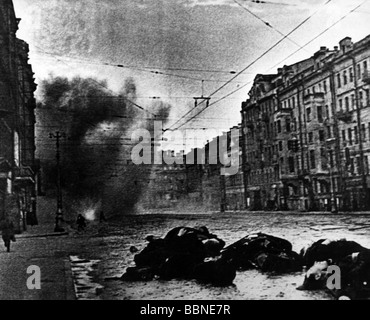 the objective of capturing the russian town of leningrad during the world war ii It was leningrad, not stalingrad that was the eastern front's real world war ii humanitarian disaster nazi germany sent hundreds of thousands of civilians to their deaths through starvation and.