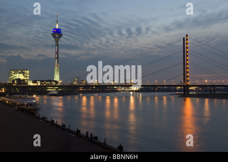 geography / travel, Germany, North Rhine Westphalia, Düsseldorf, city gate, Rhine tower, bridge, night shot, Additional - Stock Photo