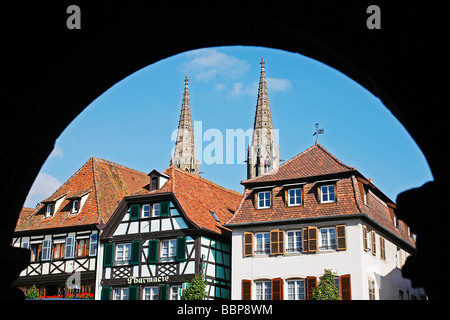 FACADES OF HALF-TIMBERED HOUSES, PLACE DU MARCHE, OBERNAI, STRASBOURG, BAS-RHIN (67), ALSACE, FRANCE - Stock Photo