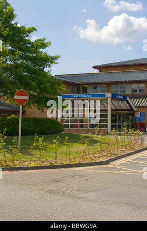 East Entrance Of East Surrey NHS Hospital Redhill England - Stock Photo