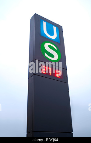 Train stop sign in Hamburg - Stock Photo