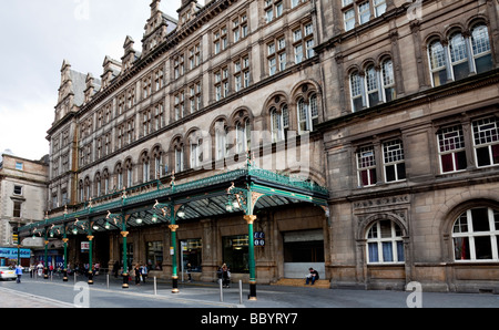 The canopy outside Glasgow Central station - Stock Photo