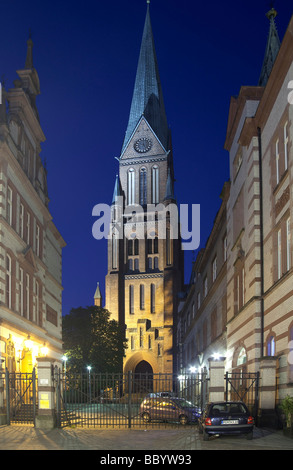 Lane in the old twn overlooking the Schweriner Dom cathedral, Schwerin, Mecklenburg-Western Pomerania, Germany, - Stock Photo