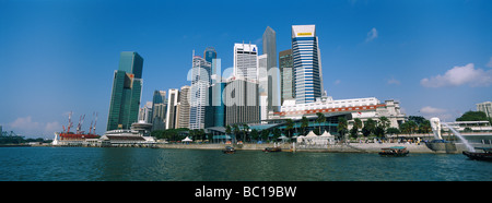 Singapore, Business center taken from the Marina. - Stock Photo