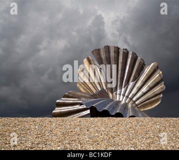 The controversial sculpture Scallop by Maggi Hambling on Aldeburgh Beach in Suffolk - Stock Photo