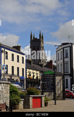 carrick on shannon with statues of irish curah or skin boat in a square looking to the main street - Stock Photo