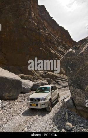 Jeep tour in Wadi Ghul Al Dakhiliyah region  Oman - Stock Photo