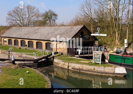 Dry dock, a workshop for repairing narrow boats on the Grand Union canal, Bulbourne near Tring, Hertfordshire, UK - Stock Photo