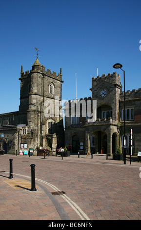 Town Hall and St Peter s Church in the North Dorset hilltop town of Shatesbury - Stock Photo