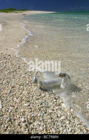 Note in bottle. Found 17th September 2002 on Laysan island. (Originally put into sea off Japan in 1987) - Stock Photo