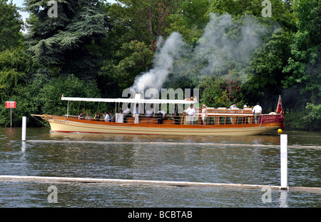 Thames steamer boat 'Alaska' at the 2009 Henley Royal Regatta, Henley-on-Thames, Oxfordshire, England, UK - Stock Photo