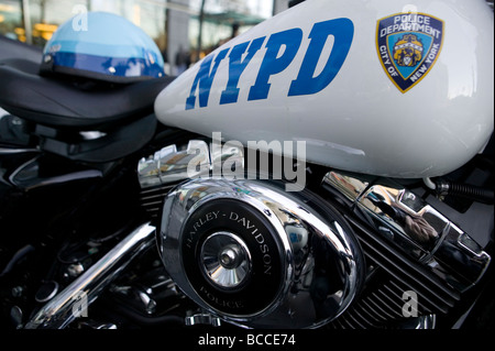 NYPD 1450cc Road King Harley Davidson motorbikes in New York City USA Dec 2006 - Stock Photo