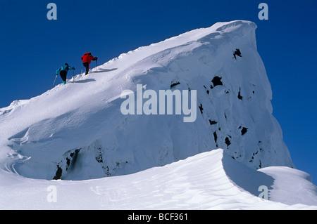 USA, Washington. Ski mountaineering in the Chiwaukum mountains, Alpine Lakes Wilderness, Washington State, USA - Stock Photo
