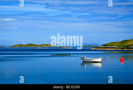 A small bay on the Golden Road near Geocrab, Isle of Harris, Outer Hebrides, western isles, Scotland, UK 2009 - Stock Photo