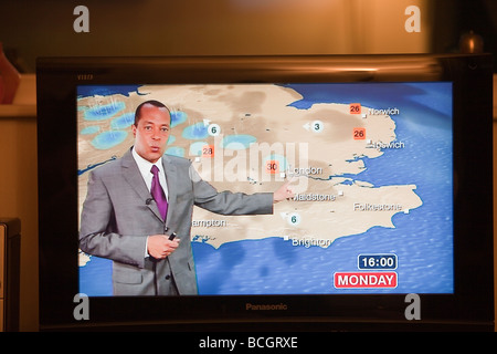 A TV weather forecast forecasting a heat wave in the UK - Stock Photo