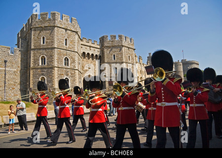 Windsor Castle Changing of the Guards UK - Stock Photo