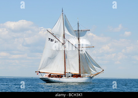 French tall ship Etoile a gaff rigged schooner under full sail - Stock Photo