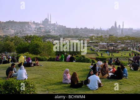 Azhar Park is always a favourite place for Egyptians to go out. During Eid El Fitr at the end of Ramadan it is especially - Stock Photo