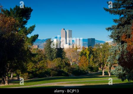 USA, Colorado, Denver, Skyline across the Denver City Park - Stock Photo