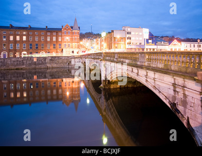 St patricks street bridge and lee river cork - Stock Photo