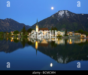 DE - BAVARIA: Rottach-Egern on Lake Tegernsee depicting Wallberg Mountain - Stock Photo