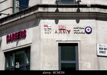 Armed forces careers office in central London - Stock Photo