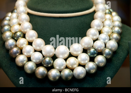 Rope of pearl necklace Place Vendome Parisian Paris France - Stock Photo