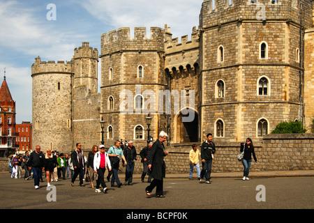 Tourists at Windsor Castle, Windsor, United Kingdom - Stock Photo