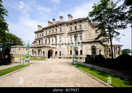 The Breakers, summer home to the Vanderbilt family on Rhode Island, built between 1893-95 the 70 room mansion cost - Stock Photo
