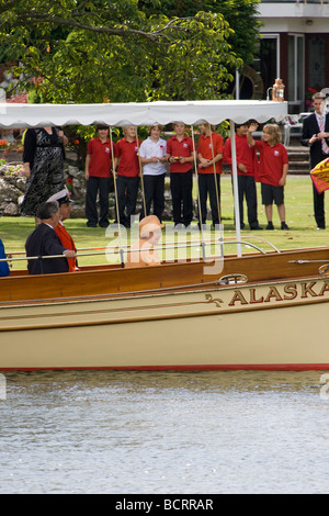 HRH Queen Elizabeth II attends the annual Swan Upping Ceremony, Boveney Lock, Berkshire,England, UK 20th July 2009 - Stock Photo