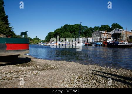 Looking across the River Thames to Eel Pie Island, Twickenham, London, UK - Stock Photo