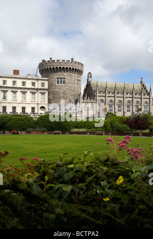 the dubhlinn gardens looking towards the norman record tower state apartments and chapel royal of dublin castle - Stock Photo