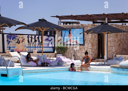 Women, discotheque with pool and bar, Hedkandi Beach Bar, parasols, marina, Hurghada, Egypt, Red Sea, Africa - Stock Photo