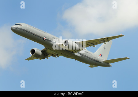 Boeing 757 from 40 Squadron of the the Royal New Zealand Air Force over RAF Fairford, Gloucestershire England - Stock Photo