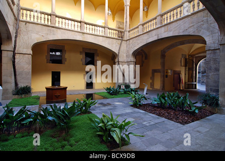 Palau del Lloctinent Arxiu de la Corona d 'Arago Gothic quarter Barcelona Catalonia Spain - Stock Photo