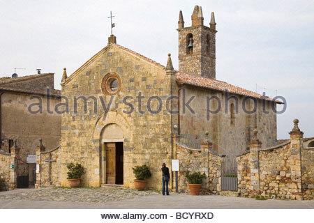 europe, italy, tuscany, monteriggioni, st mary church, XIII century, romanesque-gothic style - Stock Photo