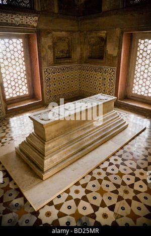 A cenotaph in a room in Itmad-ud-Daulah's Tomb mausoleum complex. Agra. India. - Stock Photo