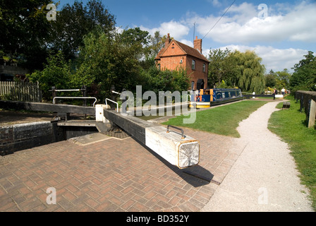Cropredy top lock on the Oxford Canal Oxfordshire Doug Blane - Stock Photo