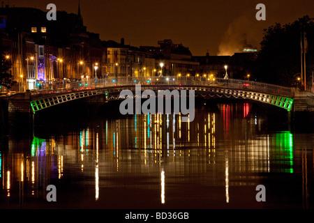 Ha'penny bridge, Dublin, Ireland - Stock Photo