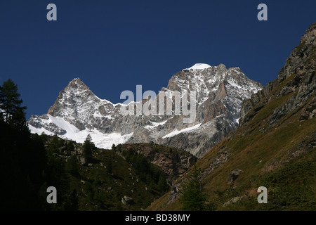 Scenic view of the Ober Gabelhorn and Wellenkuppe Zermatt Valais Switzerland - Stock Photo