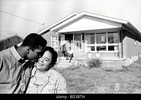 MUHAMMAD ALI  about 1965 with mother Odessa at the family home in Louisville, Kentucky.. Father Cassius & brother - Stock Photo
