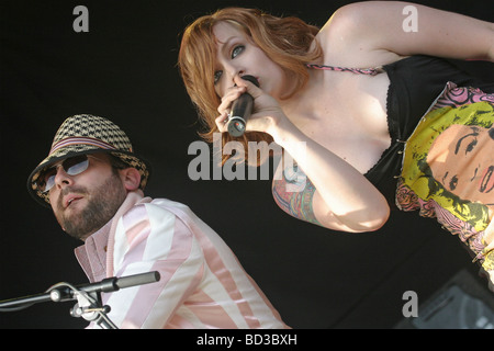 SCISSOR SISTERS - US pop group at the 2004 V Concert in Chelmsford with Ana Matronic on vocals and Babydaddy - Stock Photo