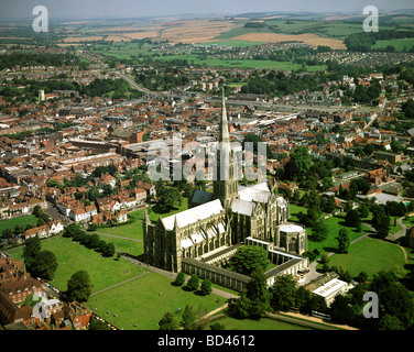 GB - WILTSHIRE: Salisbury Cathedral from the air - Stock Photo